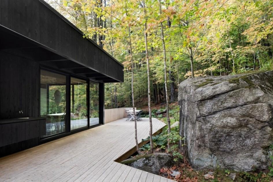 בית הסלע בקנדה: מחבוא בין עצי האדר