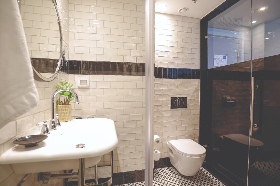 חדר עם נוף לאמבט
